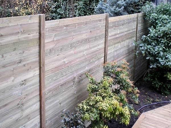 Panneaux bois occultant id es de for Panneau en bois exterieur