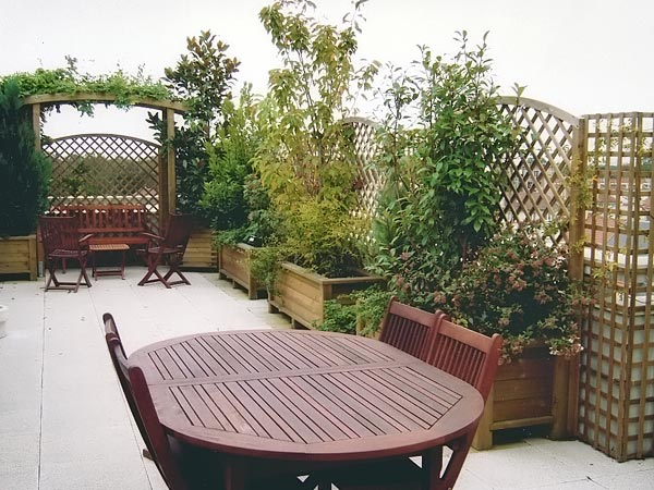 Am nagement de terrasse bois jardins for Terrasse amenagement plantes